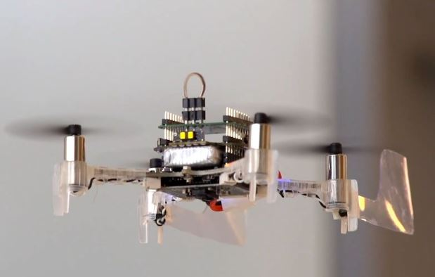 """El drone que podría """"oler"""" con una antena de polilla"""