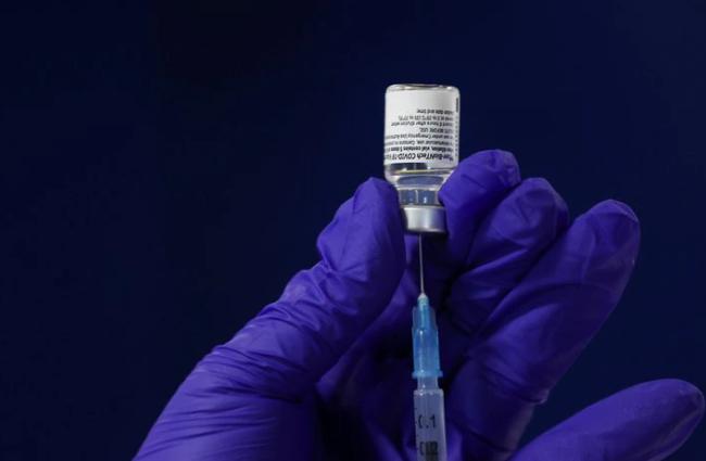 Gobierno colombiano anunció la compra de 5 millones de vacunas adicionales a Pfizer, la mitad llegaría en junio