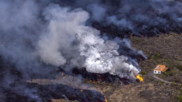 El malpaís, el terreno 'rompepiernas' que deja el volcán de La Palma y que no será habitable en cientos de años